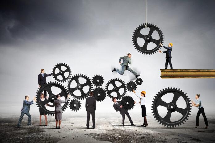 Human resources teamwork Sergey-Nivens CBD Today